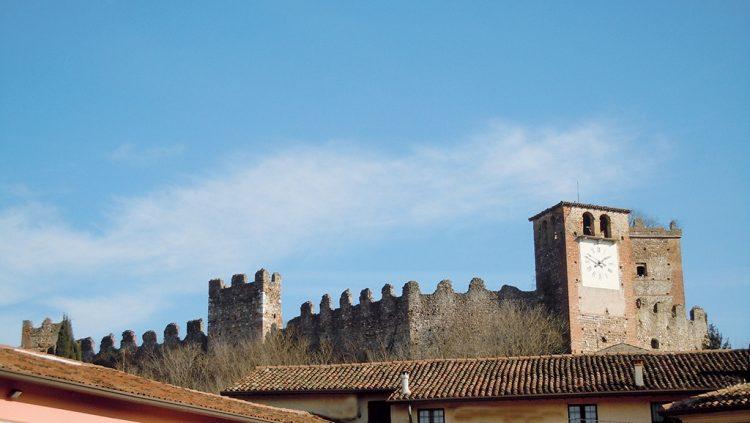 Unterwegs zu Dörfern und Burgen