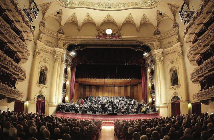 In Verona wird die Sinfonie-Saison eröffnet