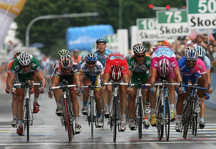 Franciacorta Outlet Village widmet dem Giro d'Italia eine Ausstellung