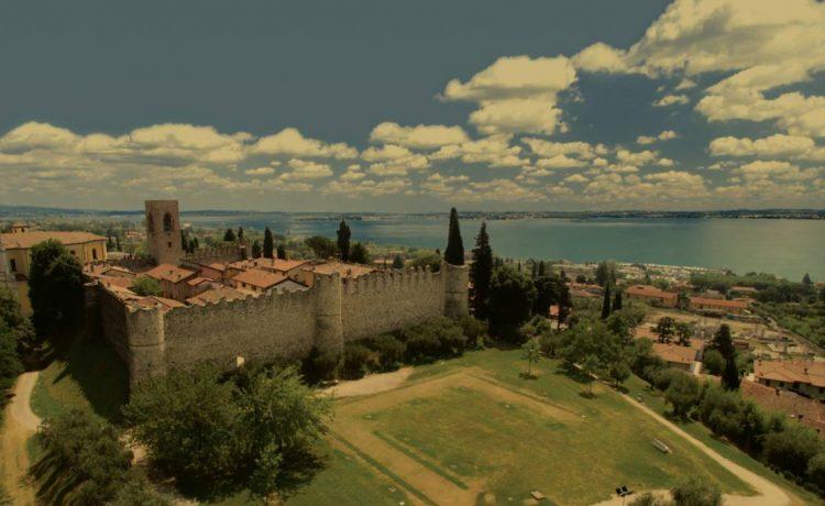 MonigArt Festival: Kunst, Kultur und gutes Essen im Schattend er Burg