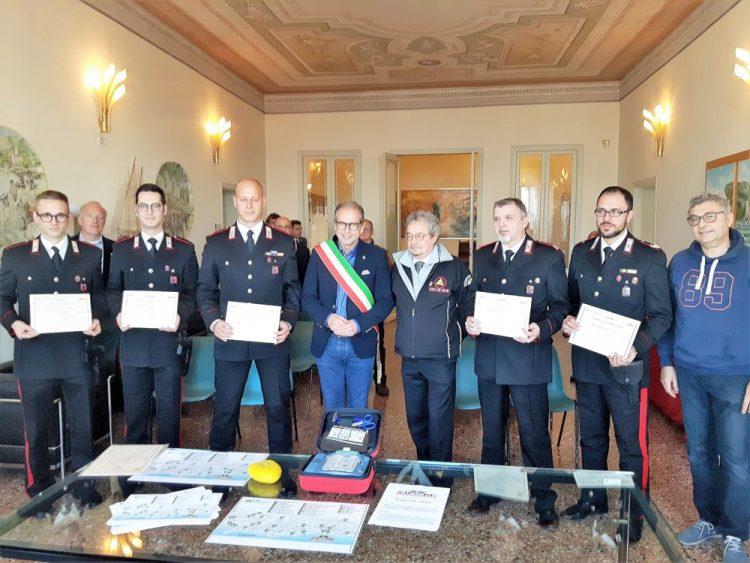 Bardolino zeichnet seine Carabinieri aus