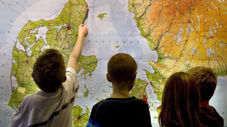 Staatspräsident zeichnet Geografie-Festival aus
