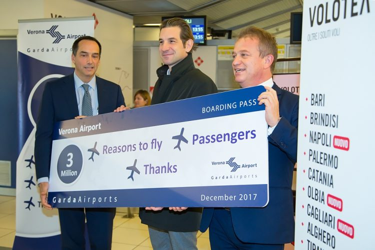 Der Flughafen von Verona feiert seinen dreimillionsten Passagier