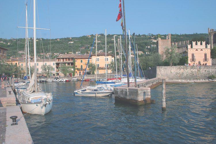 In Torri wird der Parkplatz erweitert