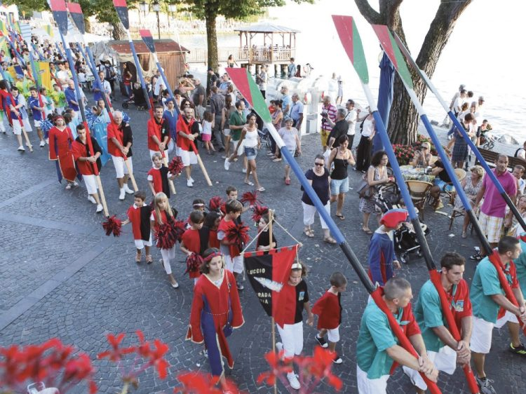 Garda begeistert mit Geschichte und traditionellen Veranstaltungen