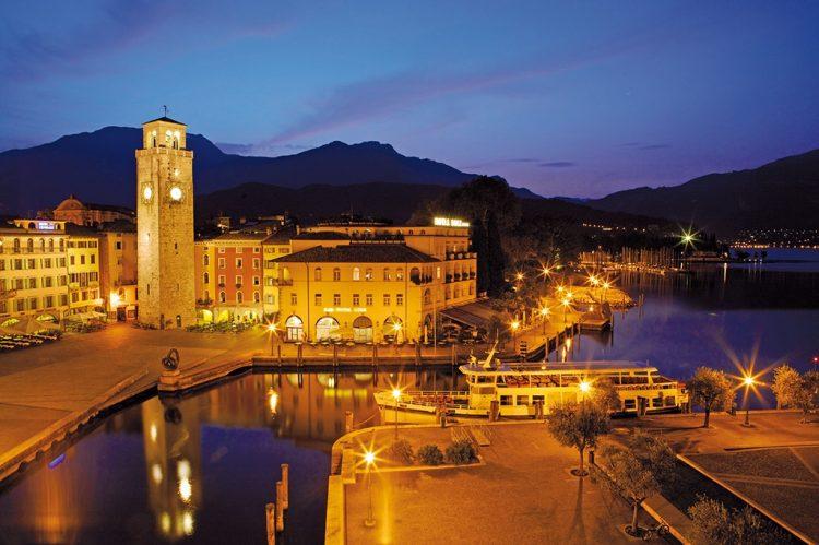 Panorama-Bootsfahrt von Riva bis Peschiera