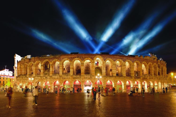 Abschlussfeier der Olympiade 2026 in der Arena von Verona