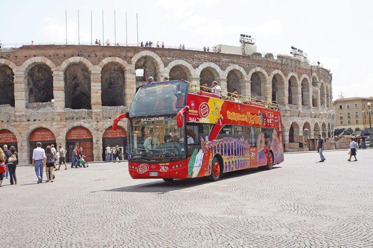 Stadt- und Panorama-Touren in Verona mit City Sightseeing