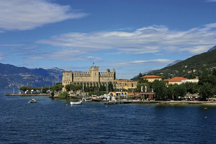 Torri del Benaco: Tauchen im See stoppen