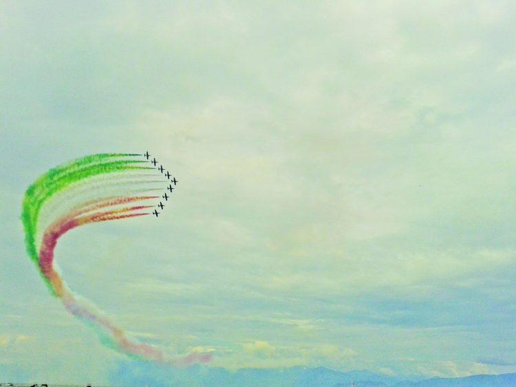 Desenzano widmet Flugshow einen Wettbewerb und ein Fotobuch
