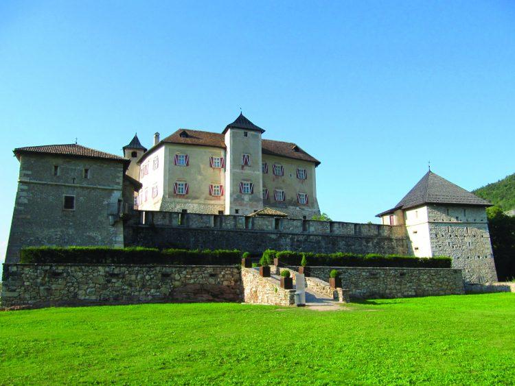 Burgentour  im Trentino