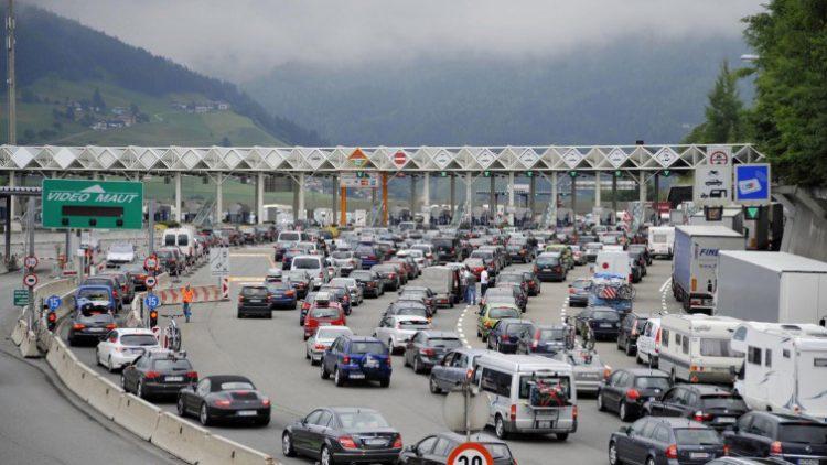 """Verkehr und Unfälle: Warteschlangen """"Ferragosto"""" auf der Brenner Autobahn"""