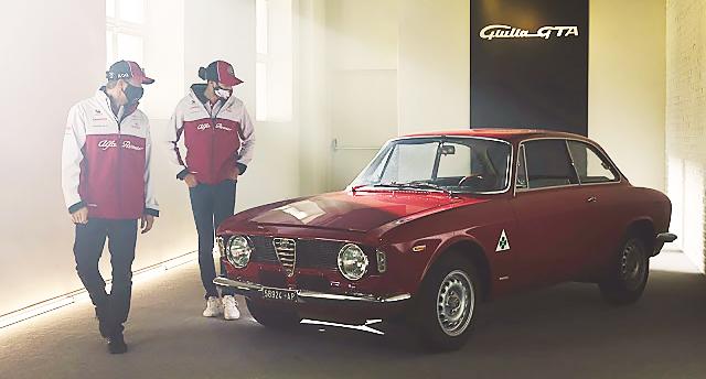 Kimi Räikkönen und Antonio Giovinazzi testen neue Alfa Giulia