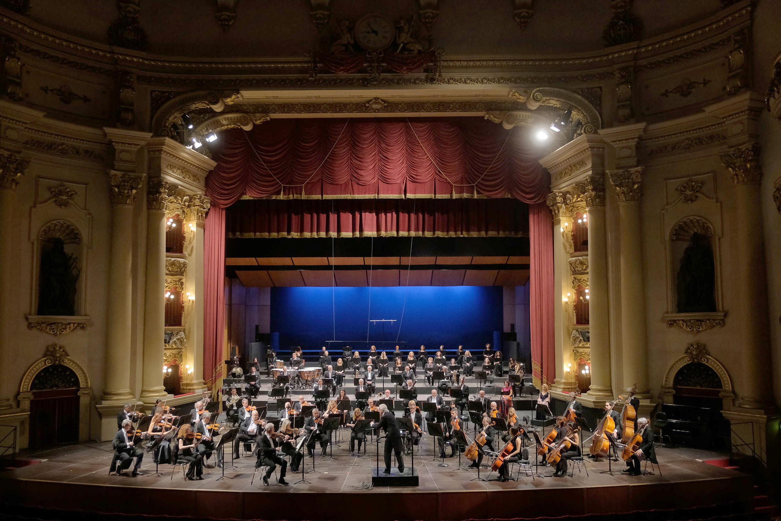 Verona, Teatro Filarmonico: Online das 2. Konzert der Symphonischen Saison 2021