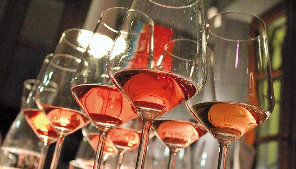 Der Valentinstag ist rosa gefärbt: Chiaretto di Bardolino im Rampenlicht am Gardasee, Verona und Innsbruck
