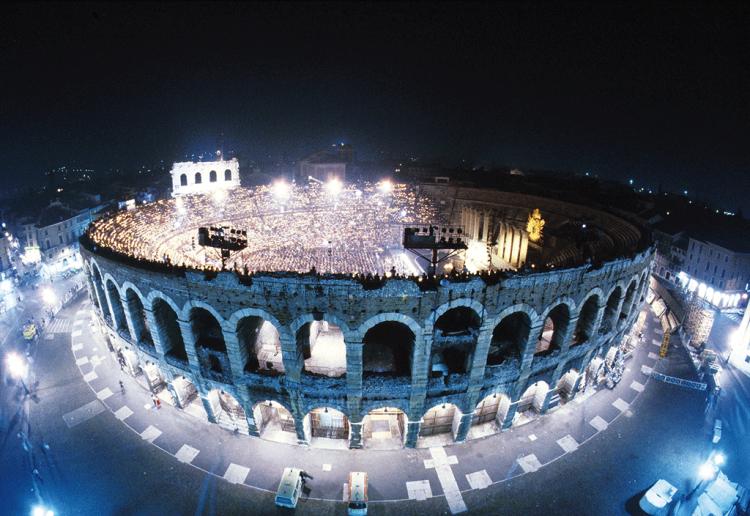 Die Arena di Verona bestätigt die 98. Opernfestspiele