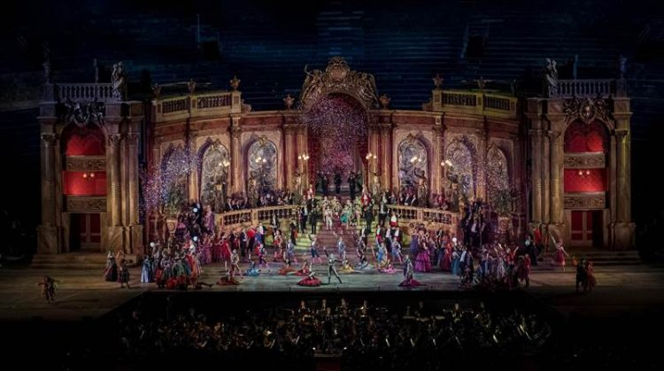 Traviata: Franco Zeffirellis letztes Meisterwerk auf Fondazione Arena's web-tv