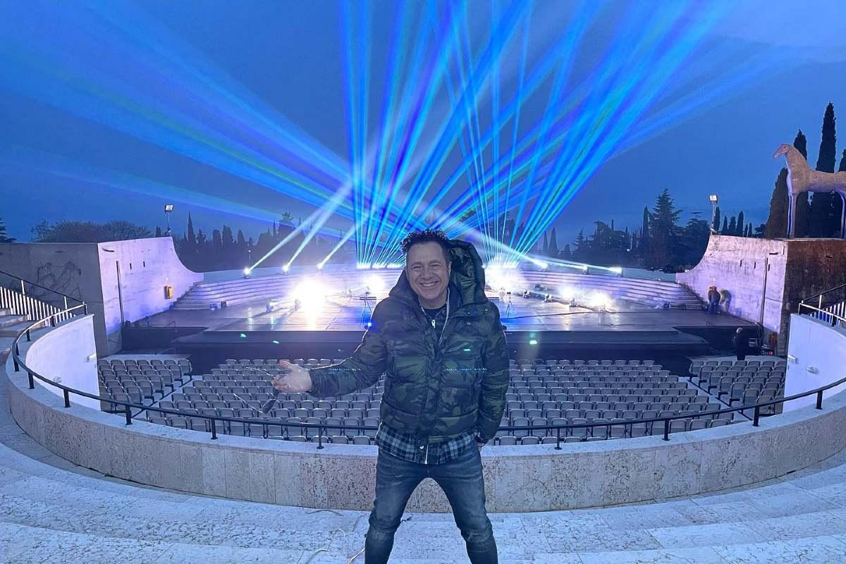 Online die Show von Joe T Vannelli live im Februar im Amphitheater Vittoriale