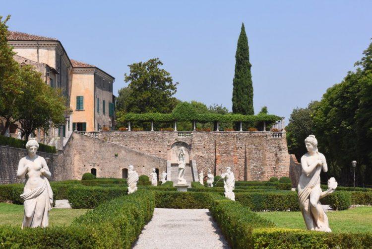 In Volta Mantovana eine kostenlose Tour zwischen Kunst, Natur und traditionellen Geschmäckern