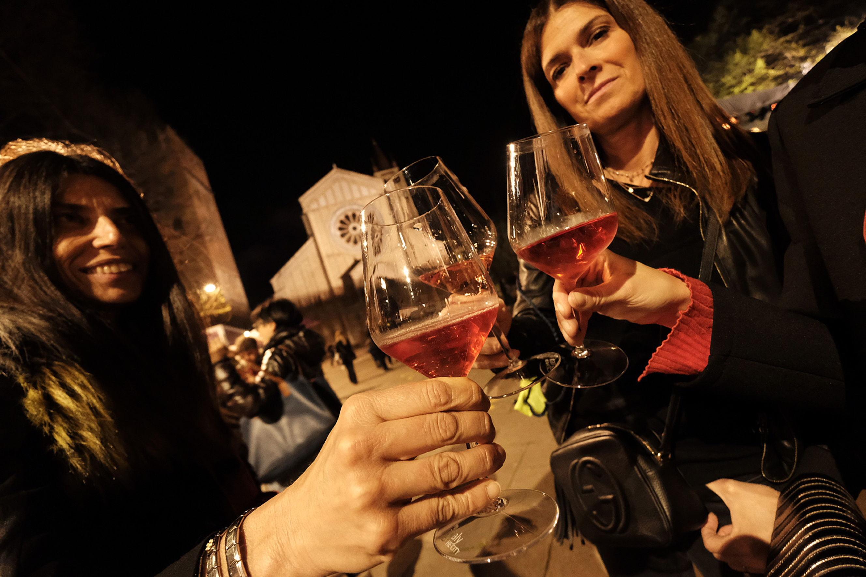 Historisches Überholen: Die meisten Weinkonsumenten sind Frauen